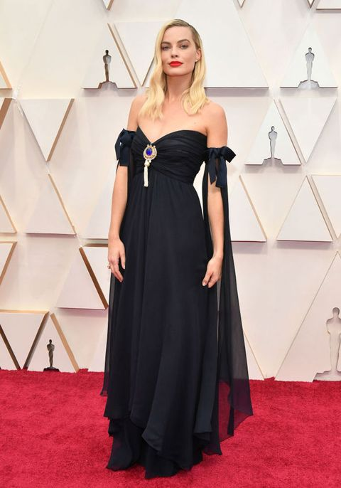 Oscars 2020 red carpet margot robbie
