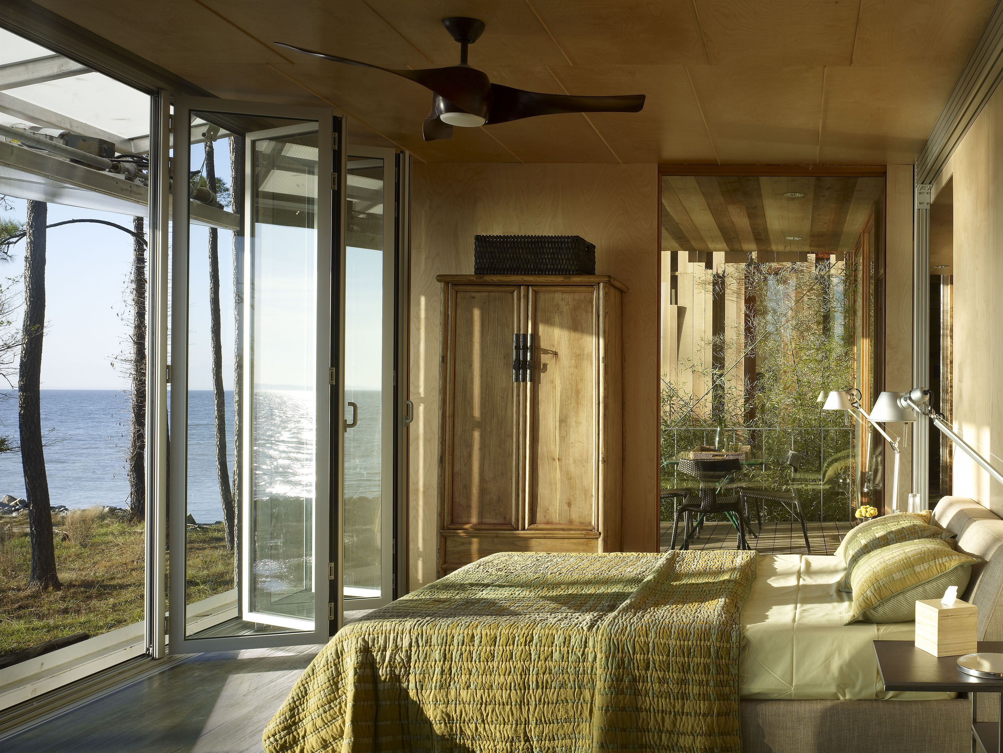 32 Stunning Master Bedrooms With Outdoor Spaces