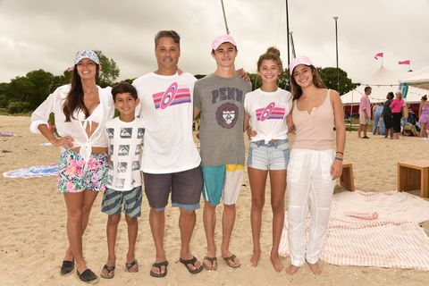 Hamptons Paddle & Party for Pink