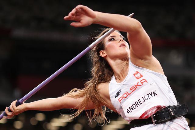 la atleta polaca maria andrejczyk, plata en jabalina en tokio 2020