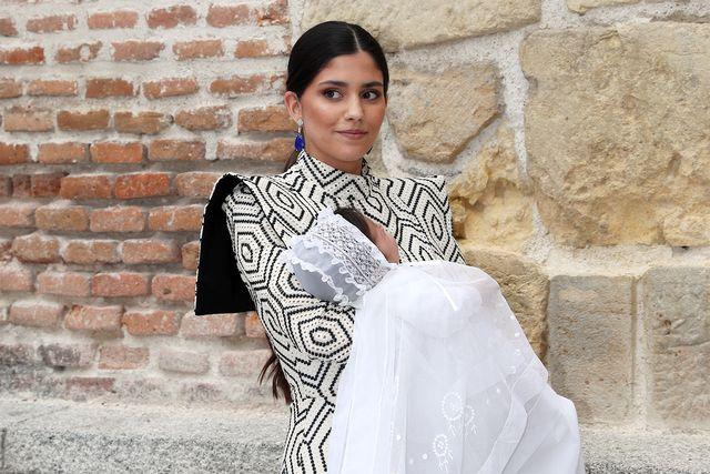 maría g de jaime con vestido de inés domecq en el bautizo de su hija catalina