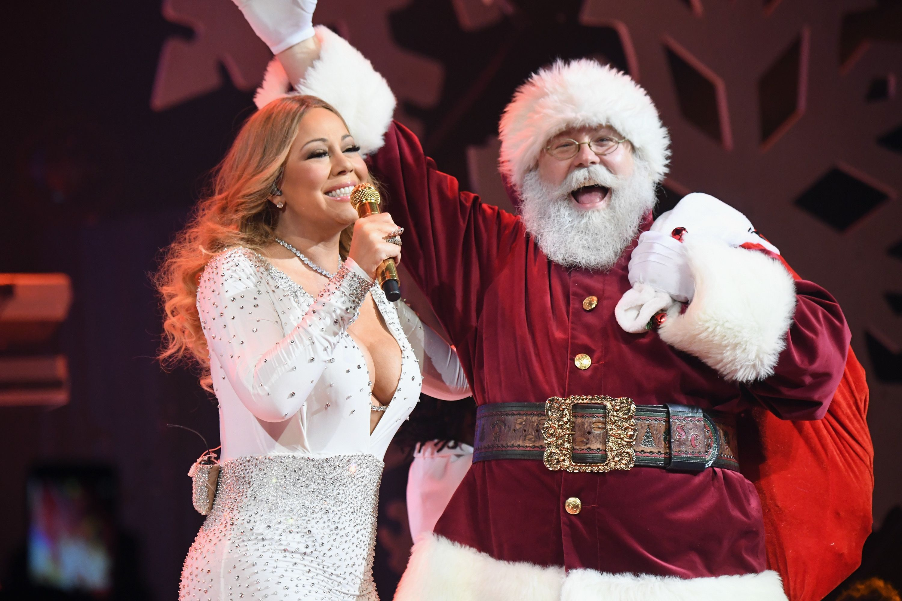 The 21 Best Christmas Songs Ultimate Holiday Party Playlist