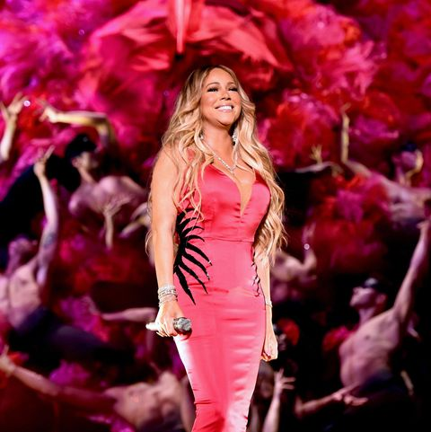 Performance, Pink, Entertainment, Red, Stage, Music artist, Event, Performing arts, Fashion, Public event,