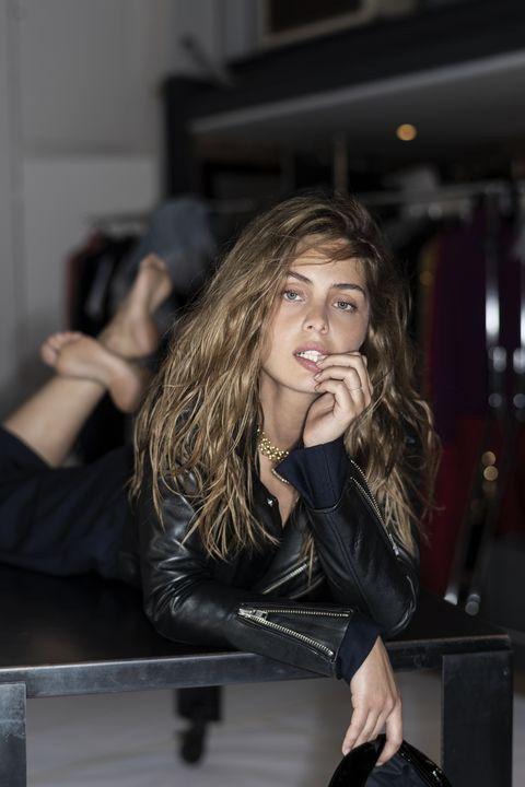 Marie-Ange-Casta-moda-francese-pelle-e-rete-Roy-Rogers