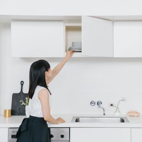 White, Room, Kitchen, Furniture, Shoulder, Material property, Interior design, Desk, Home appliance,