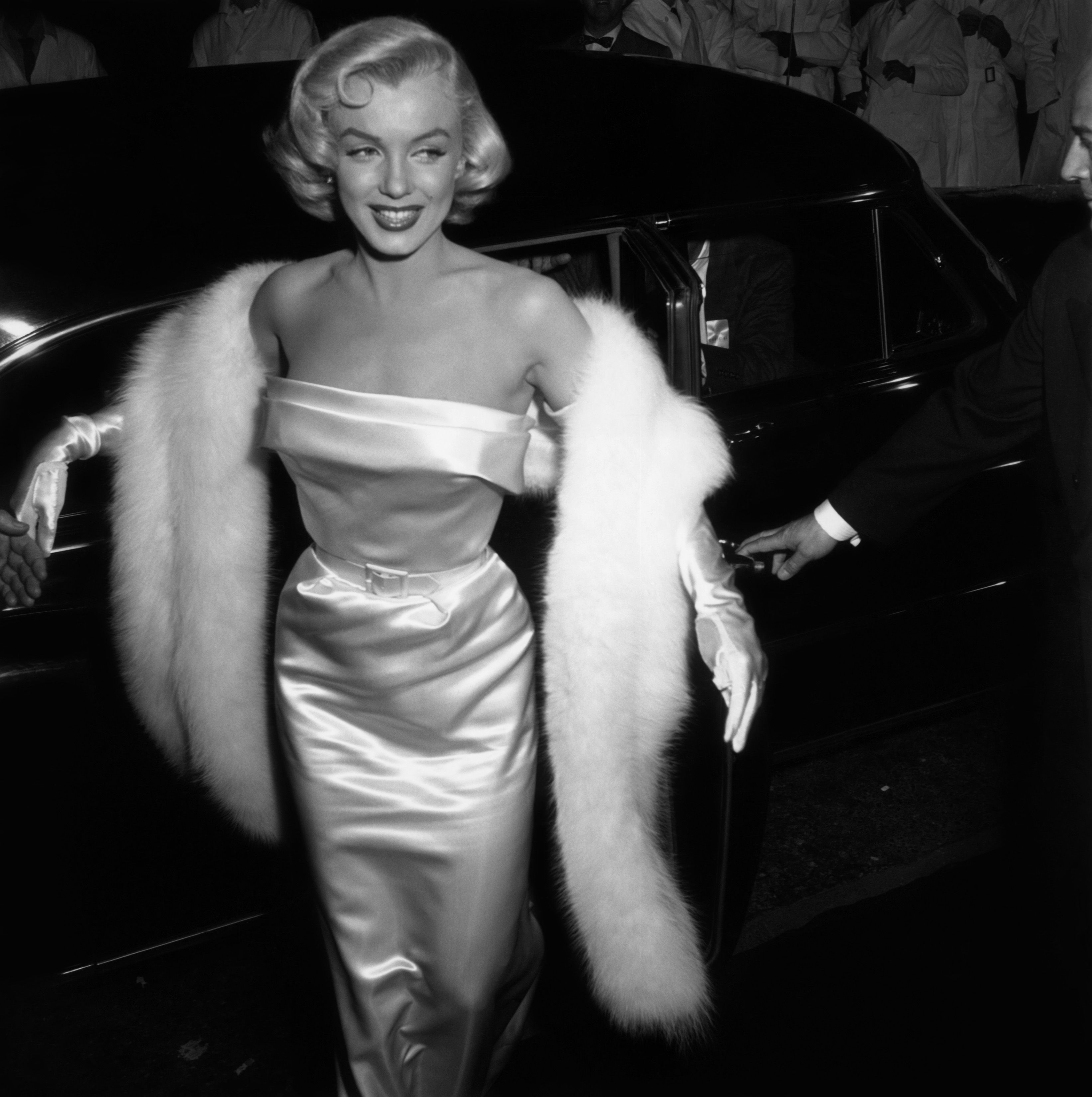 30+ Vintage Photos of Celebrities on the Red Carpet