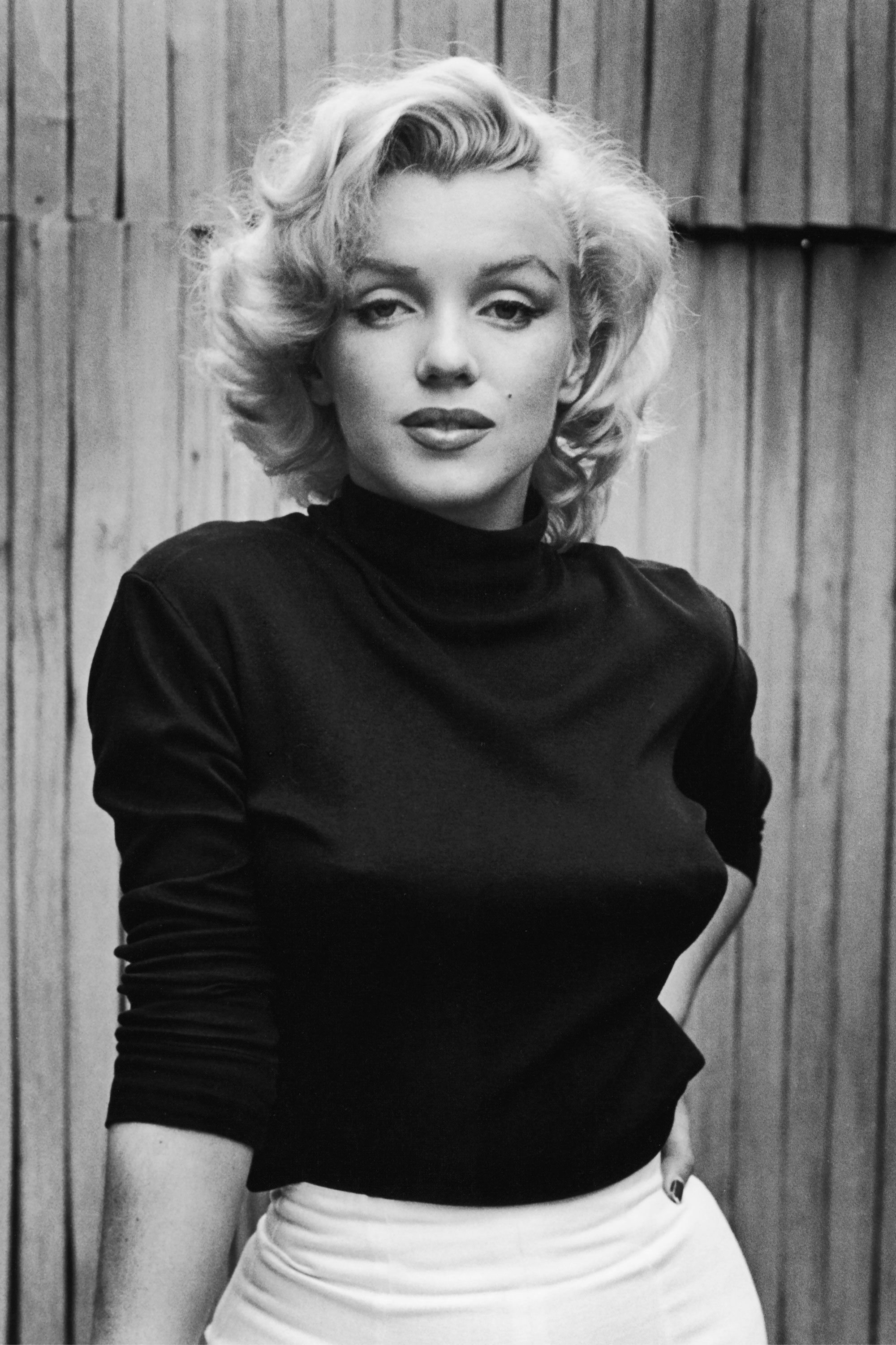 6 Conspiracy Theories About Marilyn Monroe's Death - How