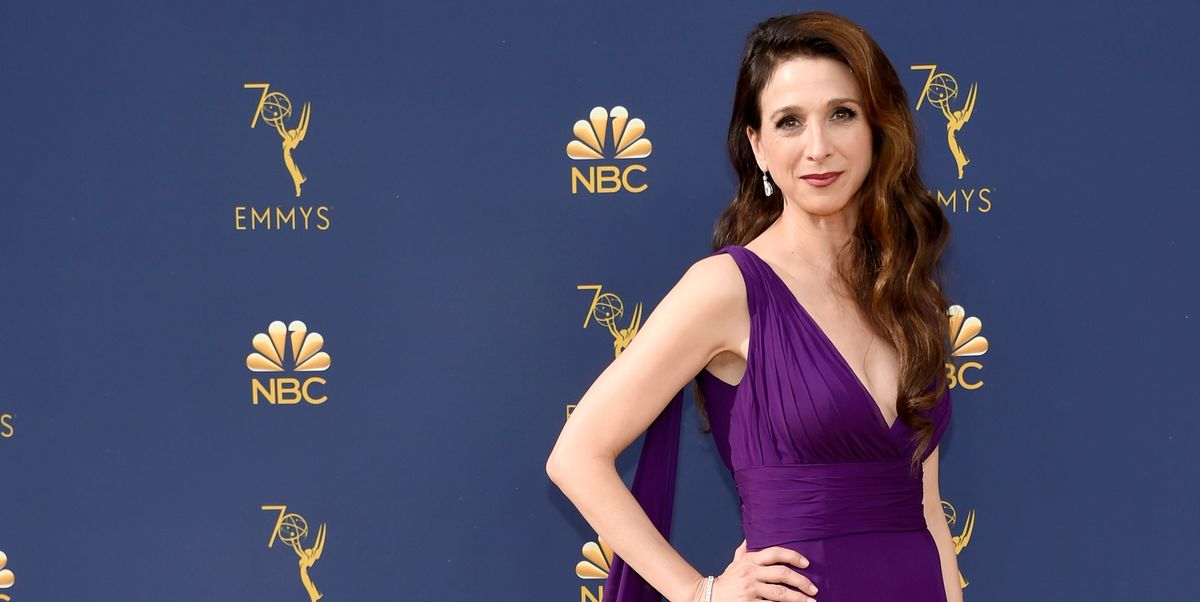 Marin Hinkle S Emmys 2018 Red Carpet Dress And Getting