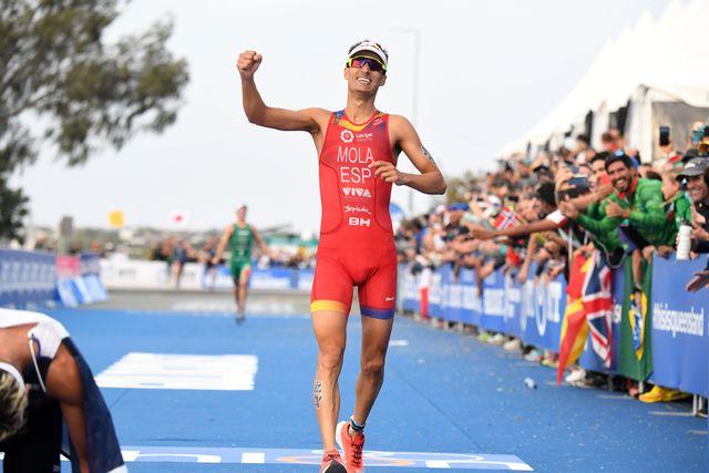 el triatleta mario mola en la final del campeonato mundial de triatlón itu