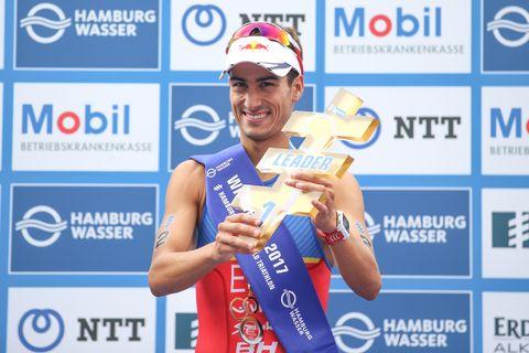 Mario Mola busca su cuarto título mundial consecutivo en triatlón