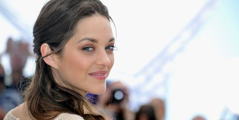 cannes, france   may 17  actress marion cotillard poses at the de rouille et dos photocall during the 65th annual cannes film festival at palais des festivals on may 17, 2012 in cannes, france  photo by pascal le segretaingetty images