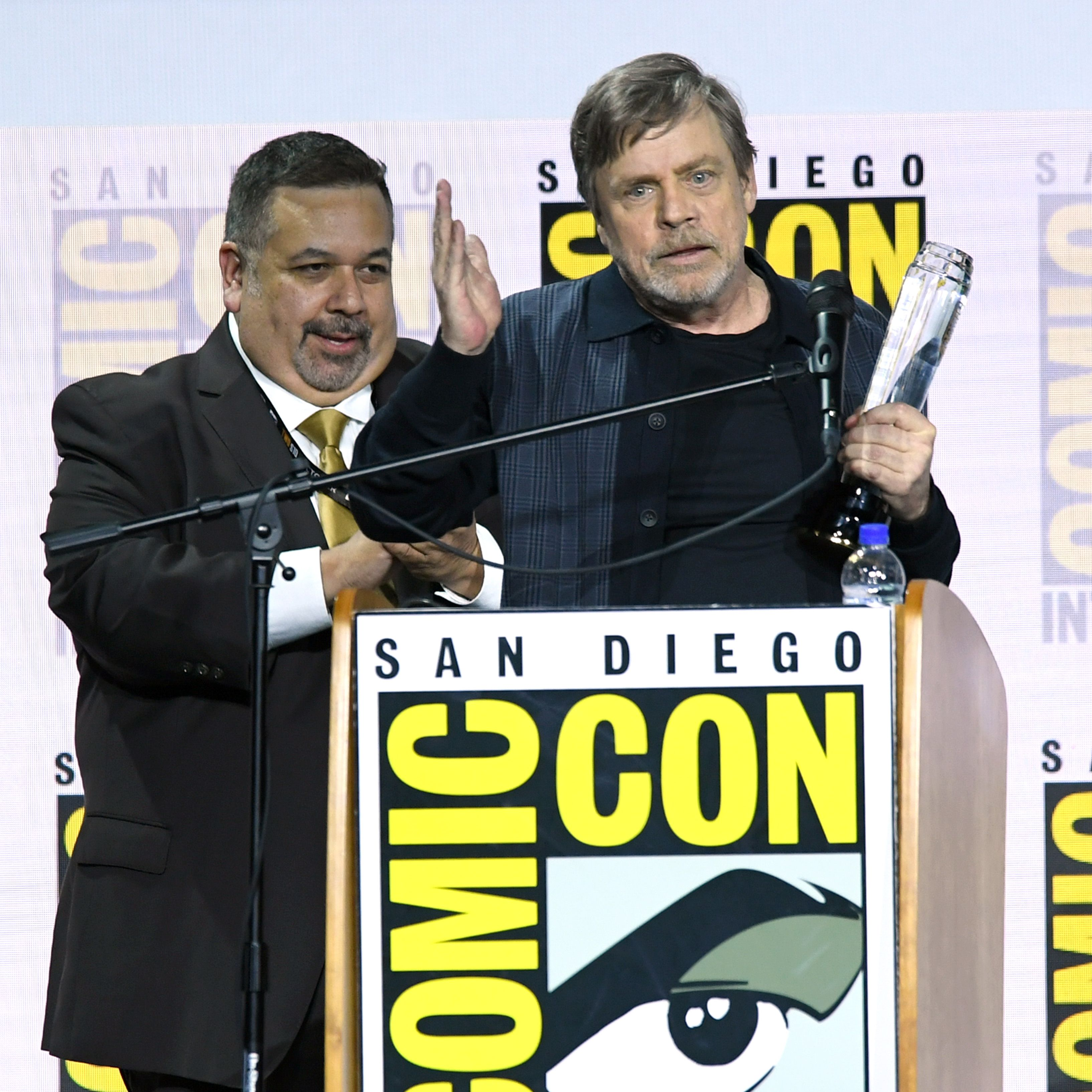 Star Wars legend Mark Hamill is given the Icon award at San Diego Comic-Con