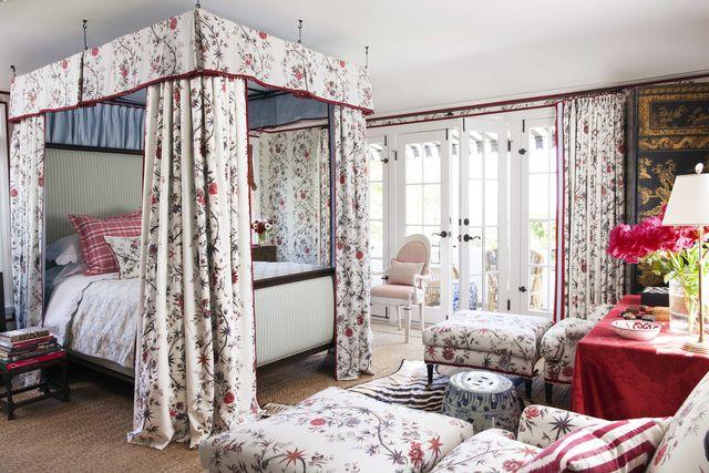 mark likes los angeles bedroom
