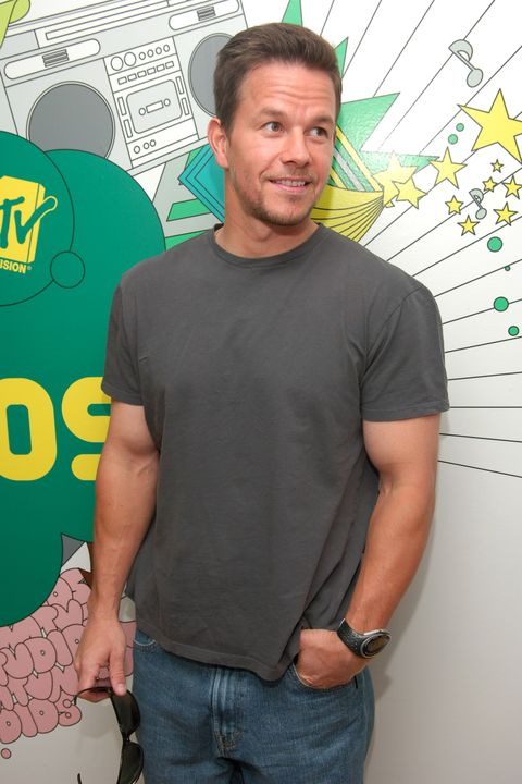 "mark wahlberg visits mtv' s ""trl""   august 23, 2006"