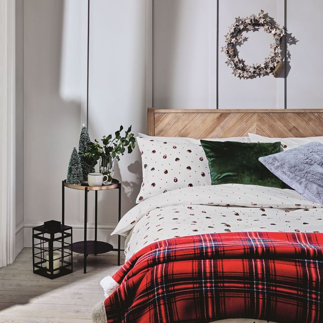 christmas bedroom decor how to decorate your bedroom for christmas