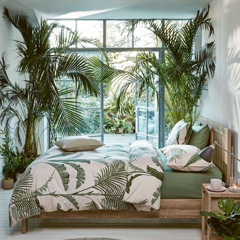 detailed look 5825b 690af Marks & Spencer's Palm Print Tropical Bedding Set Back In Stock