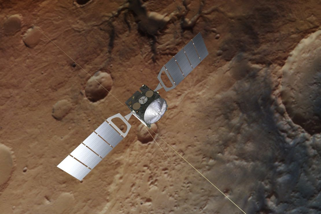 Spacecraft Discovers Hints of Martian Groundwater