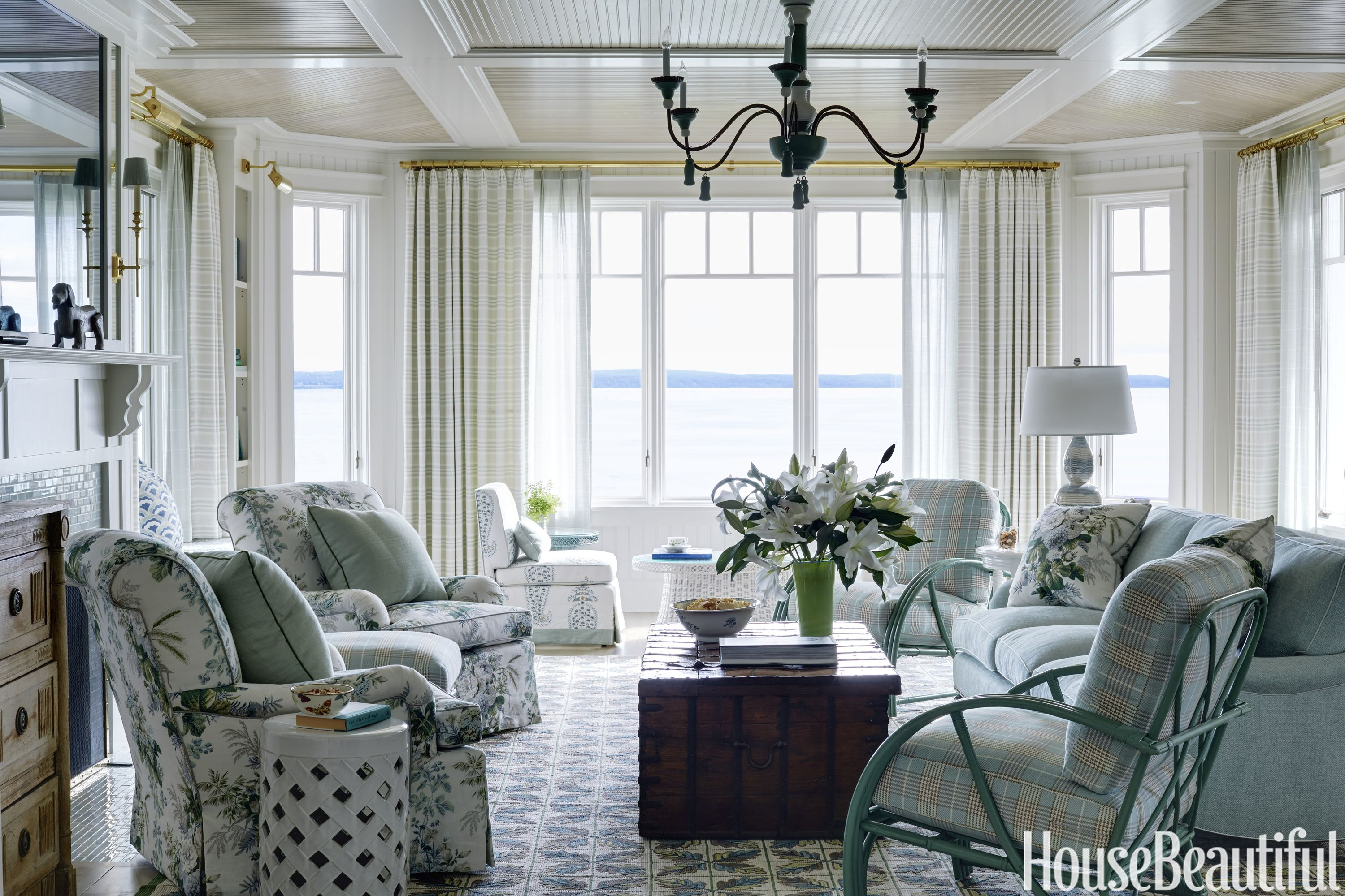 This Family-Friendly Waterfront Home Is Brimming with Nostalgia ...