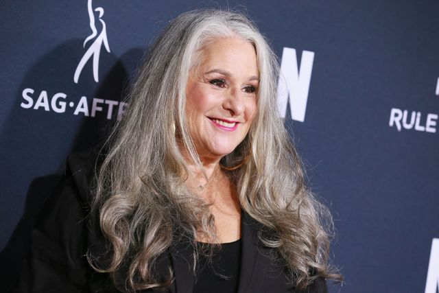 friends co creator marta kauffman says she didn't do enough to promote diversity on the show