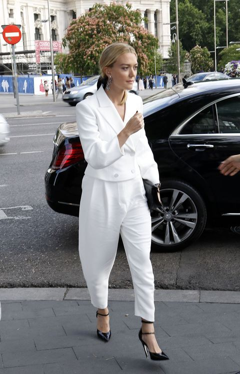 White, Street fashion, Clothing, Fashion, Snapshot, Pantsuit, Leg, Lip, Suit, Footwear,