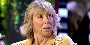 La esposa de Chelo García Cortés no ve con buenos ojos el comportamiento que tiene la periodista con Isabel Pantoja