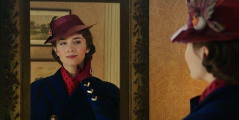 Red, Uniform, Fashion, Headgear, Smile, Photography, Hat,