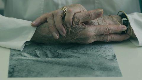 Hand, Finger, Medical glove, Gesture,