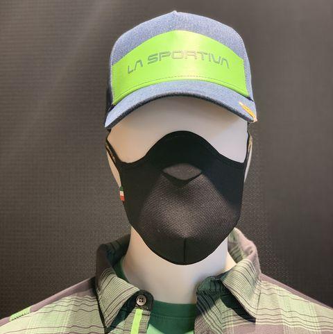 Un maniquí con la mascarilla deportiva que ha diseñado La Sportiva.