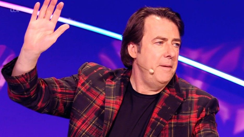 The Masked Singer fans blast judge Jonathan Ross for latest guess