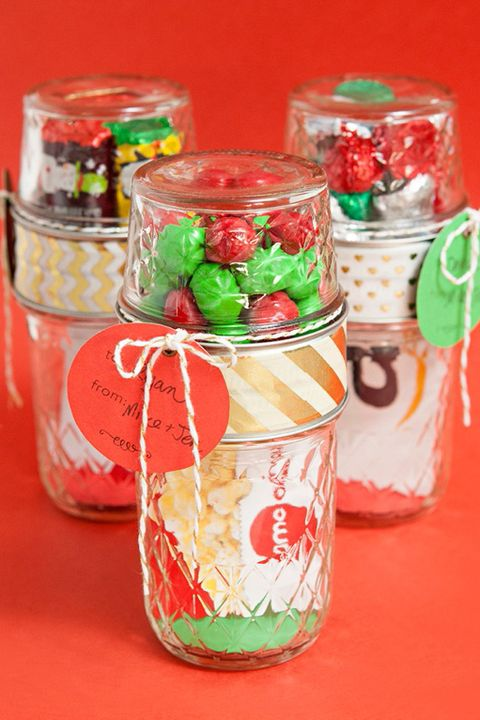 40 mason jar christmas crafts fun diy holiday craft projects mason jar gift card candy solutioingenieria Gallery