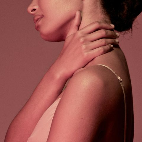Skin, Shoulder, Lip, Beauty, Neck, Chin, Joint, Arm, Cheek, Close-up,