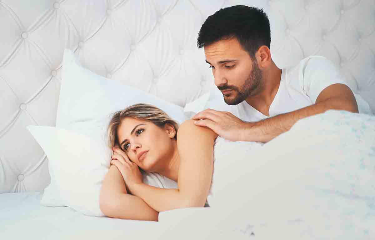 """Consultorio de sexo: """"¿Por qué me molesta tanto que mi marido se masturbe viendo un anuncio de lencería?"""