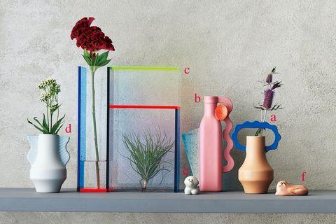 「matka」のフラワーベースと「moma」の花器「neonmondri」のベース