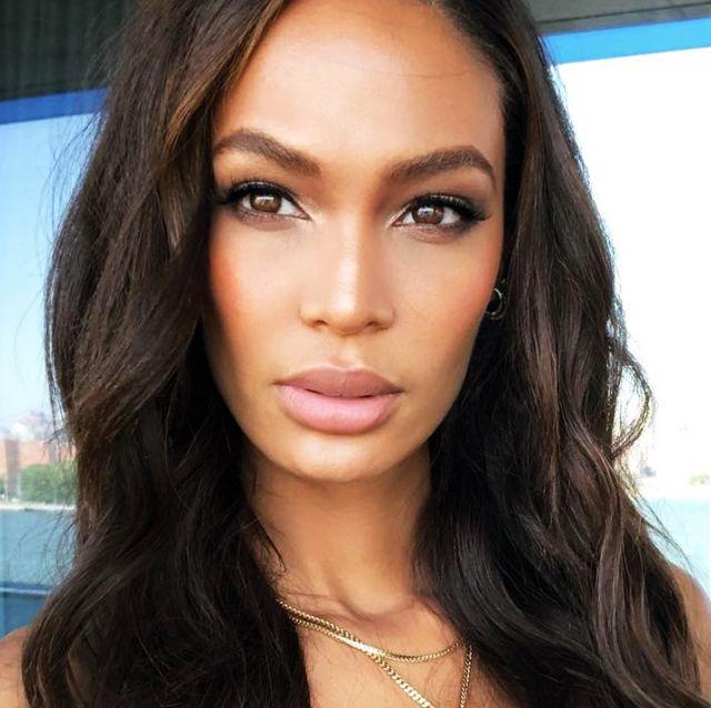 Hair, Face, Eyebrow, Lip, Hairstyle, Forehead, Skin, Black hair, Chin, Cheek,