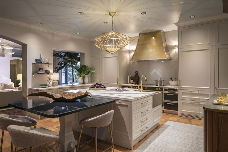 Glam Bathroom By Matthew Quinn: Take An Exclusive First Look At The Kips Bay Palm Beach House