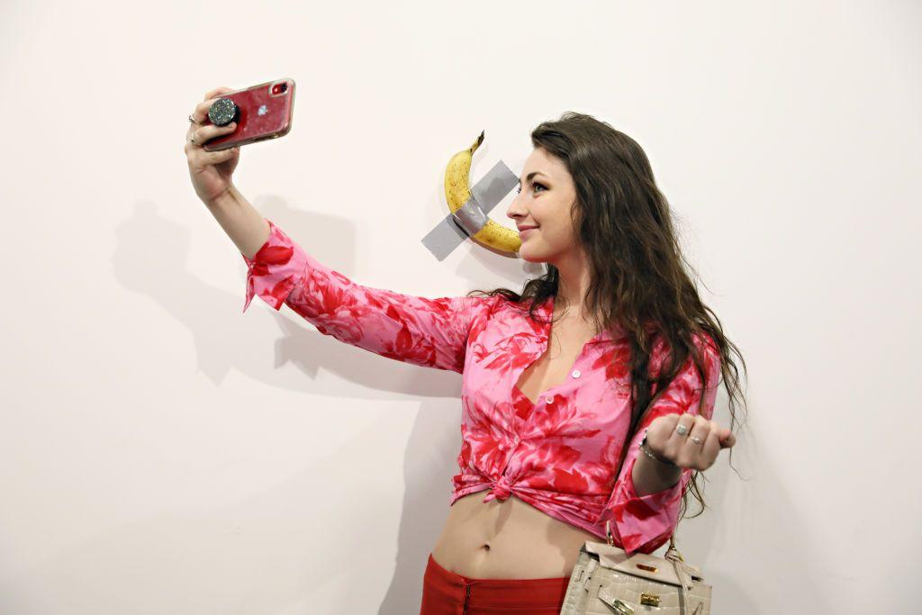 Chi ha mangiato la banana di Maurizio Cattelan ad Art Basel Miami?