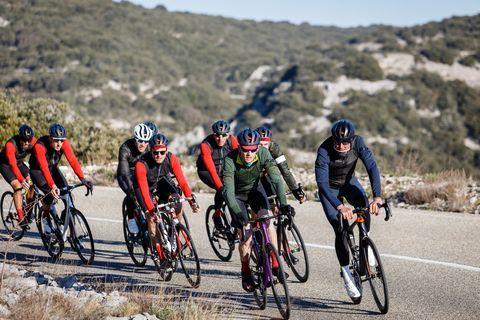 Zo maakt Mavic je high-end fietskleding