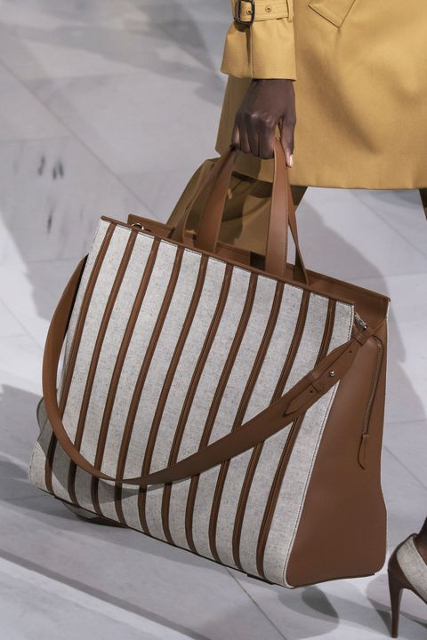 Bag, Handbag, Brown, Beige, Fashion accessory, Shoulder bag, Tote bag, Hobo bag, Diaper bag, Luggage and bags,