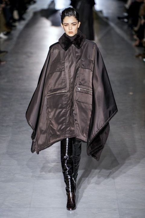 Fashion model, Fashion show, Fashion, Runway, Clothing, Outerwear, Mantle, Human, Haute couture, Event,