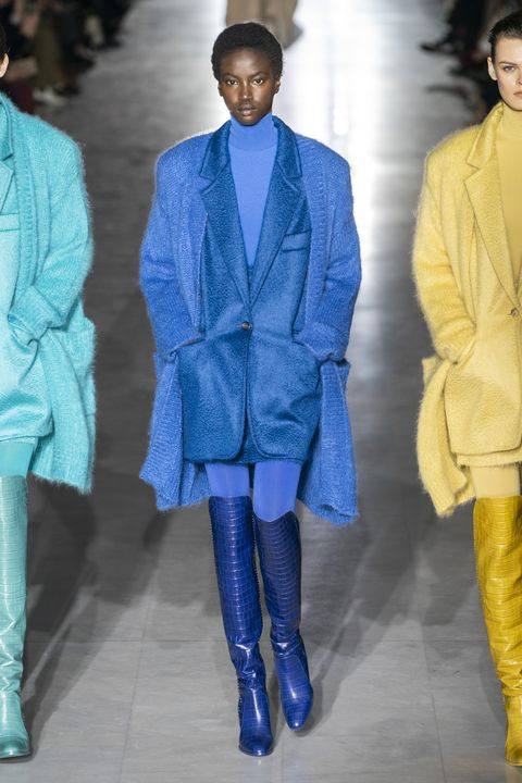 Fashion, Blue, Fashion model, Cobalt blue, Clothing, Fashion show, Runway, Electric blue, Fashion design, Outerwear,
