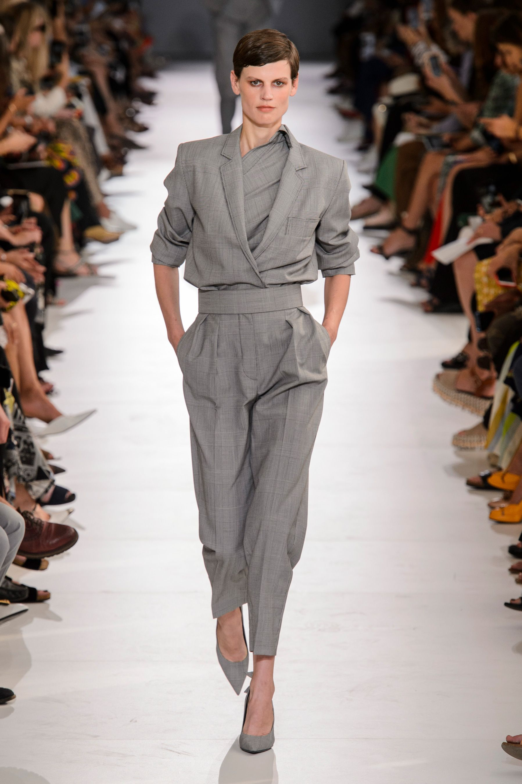 4c6f42ff9ec8 See All the Looks from the Spring 2019 Max Mara Show