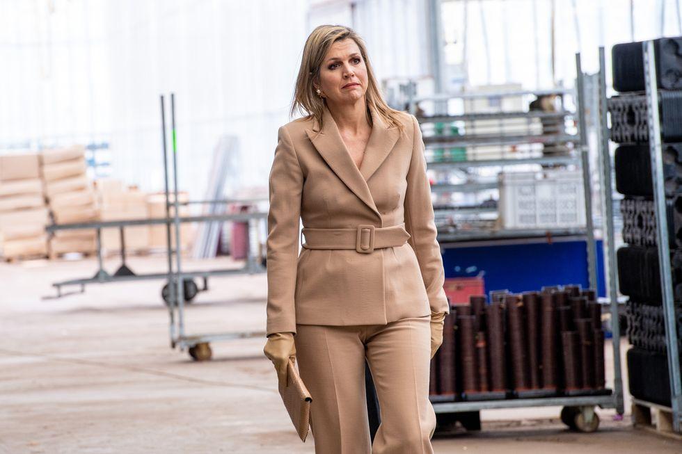 Máxima de Holanda se apunta al traje de chaqueta