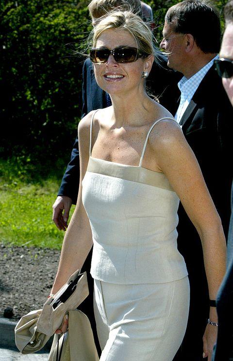 máxima zonnebril beige ensemble 2002