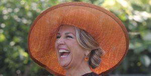 La reina Máxima de Holanda y sus tocados en India