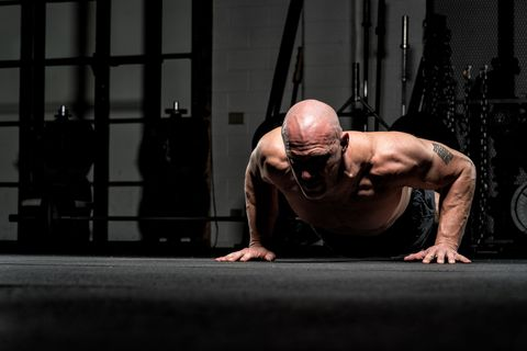 Shoulder, Physical fitness, Arm, Press up, Muscle, Bodybuilding, Chest, Joint, Fitness professional, Human body,