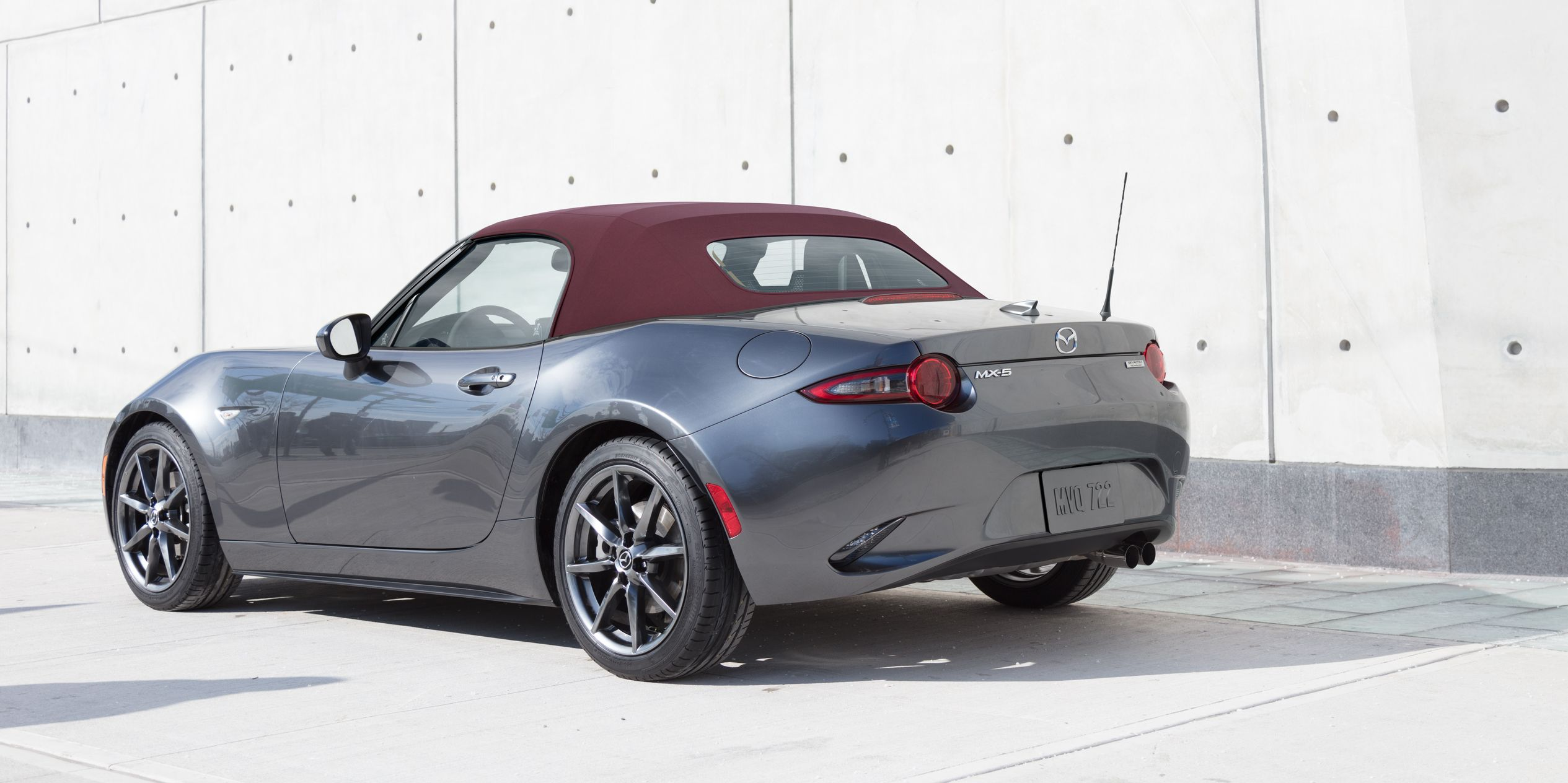 The 2018 Mazda MX 5 Miata Is Getting Optional Recaros And A Red Soft Top