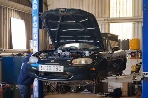 mazda mx5 con motor v10