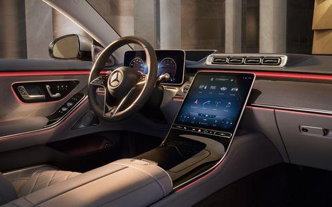 【開箱】賓士 s class 駕駛黑科技!2021最新「眼球追蹤技術」和「環景內裝照明」奢華大改款