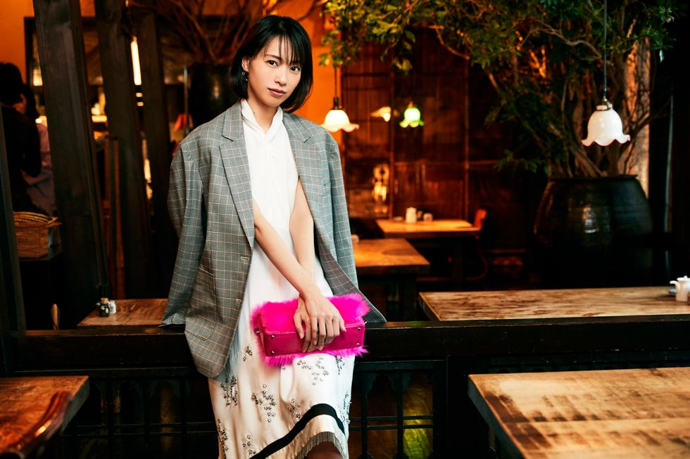 ピンクのカバンが可愛い戸田恵梨香さん