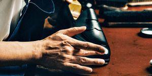 カルマンソロジー デザイナー 金子真の靴磨き